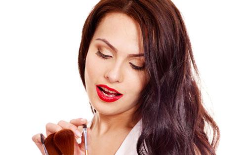 干性皮肤用什么卸妆液_干性皮肤最实用的脸部护肤流程