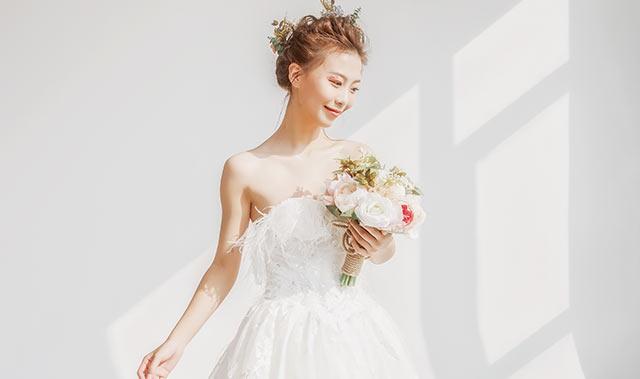 怎样打造好看的新娘造型