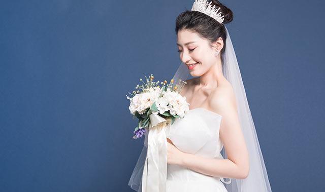 新娘造型怎么做才时尚
