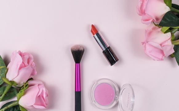 如何购买化妆品