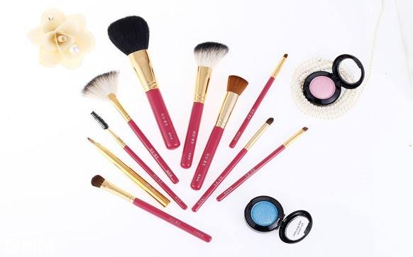 化妆品店如何经营