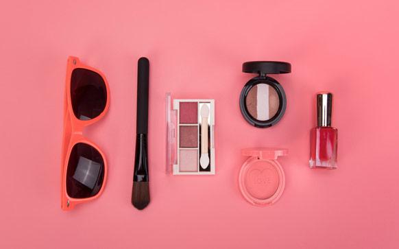 最简单淡妆化妆步骤